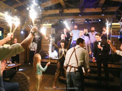 Милена Дейнега отметила свое новолетие в ресторане «Гранд Караоке»