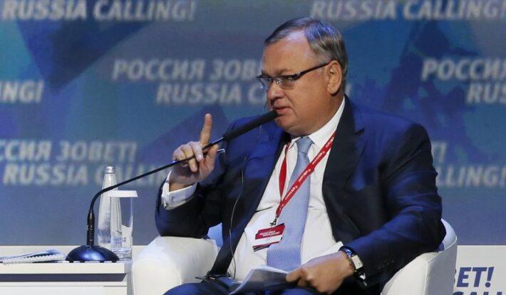 Бизнес-форум «Россия зовет!»: Андрей Костин рассказал об убытках от дедолларизации