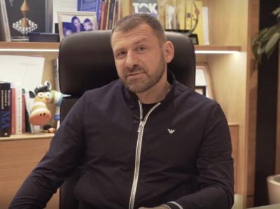Миллиардер Игорь Рыбаков передал $1 млн в дар своей школе в Магнитогорске