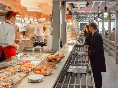Российские рестораторы рассказали об отсутствии в общепите «подушки безопасности»