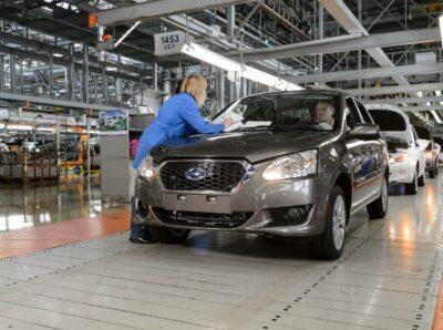 Nissan ограничивает выпуск автомобилей на российском рынке