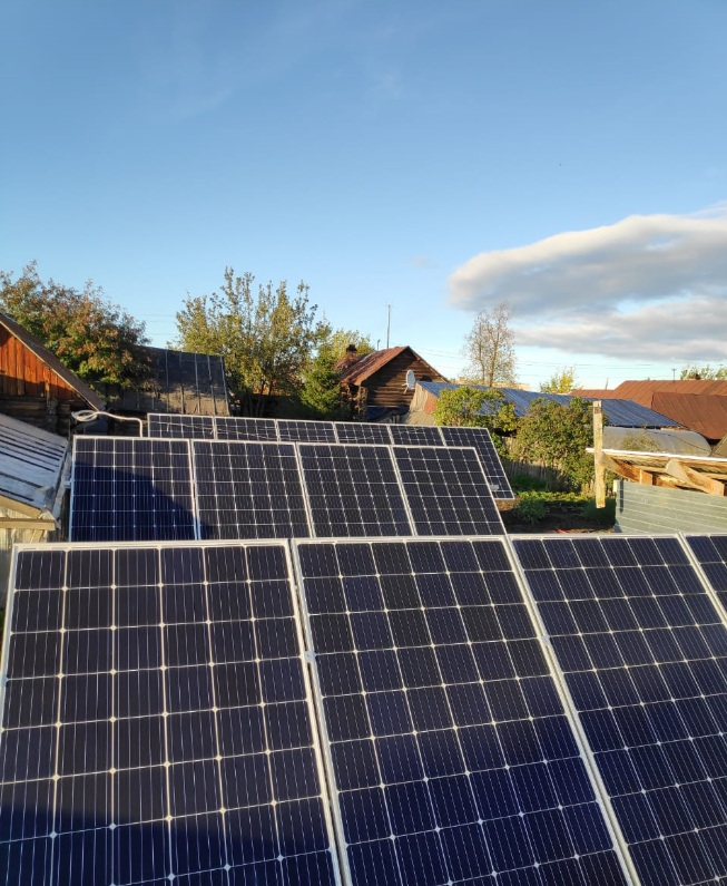 На доме пенсионерки из Сысерти установили солнечные батареи
