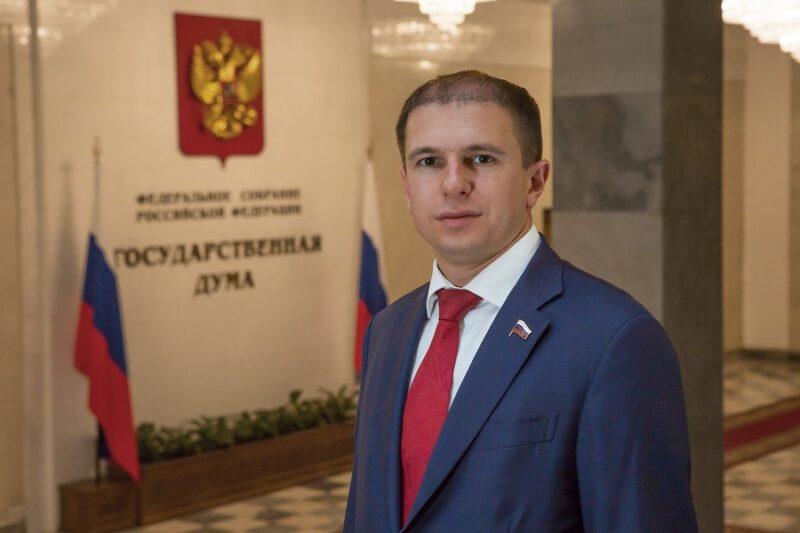 Михаил Романов: «Уровень зарплат сотрудников, работающих дистанционно и не дистанционно, должен быть одинаковым»