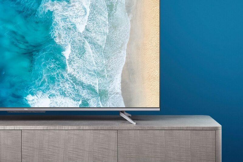 Удобный девайс для развлечений, общения и работы – телевизор P725 от TCL