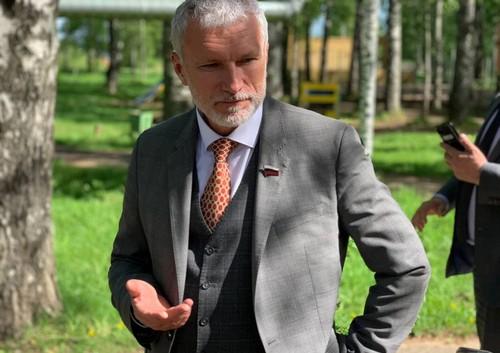 Жители Красавино пожаловались депутату Госдумы на безработицу