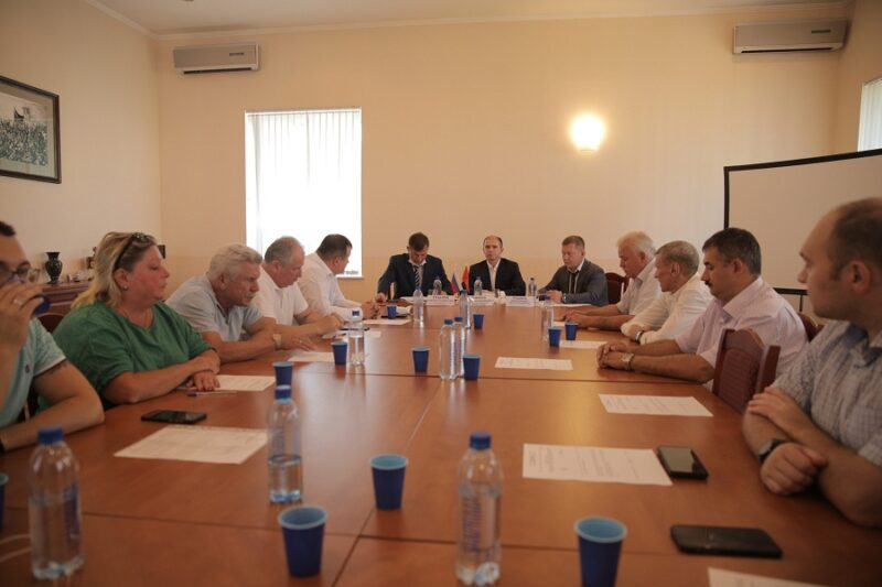 Михаил Романов провел встречу с руководителями муниципальных образований Невского района Санкт-Петербурга