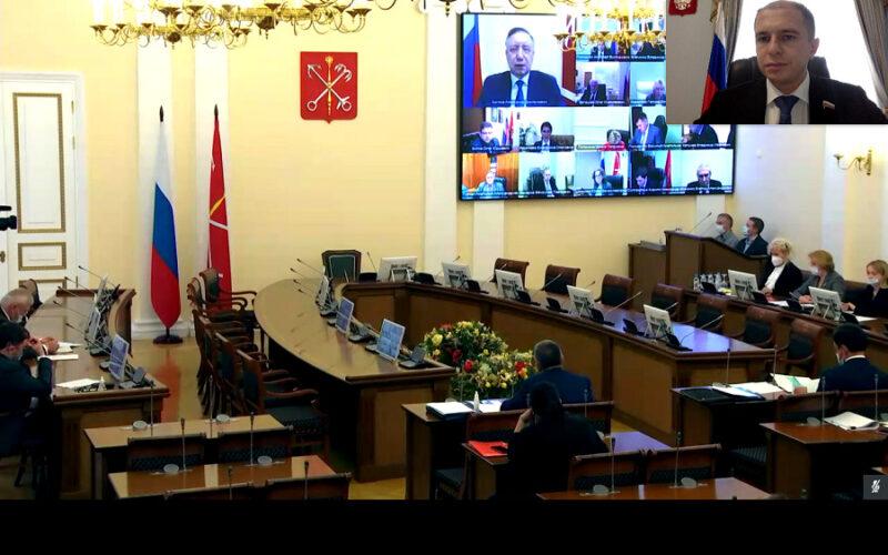 Михаил Романов: «Городской бюджет 2022 года составлен с учетом новых волн коронавируса»