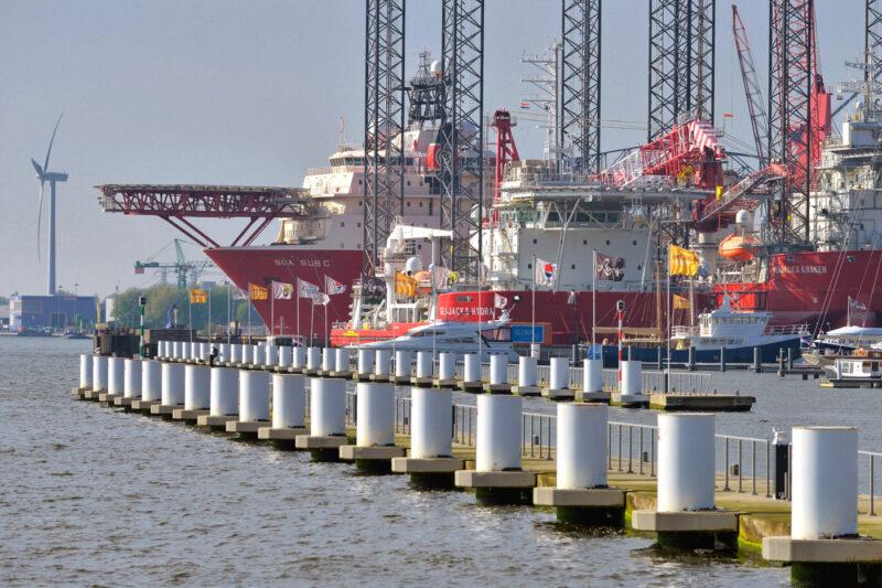 Путин: из 67 морских портов загружено на полную мощность менее 10% объектов