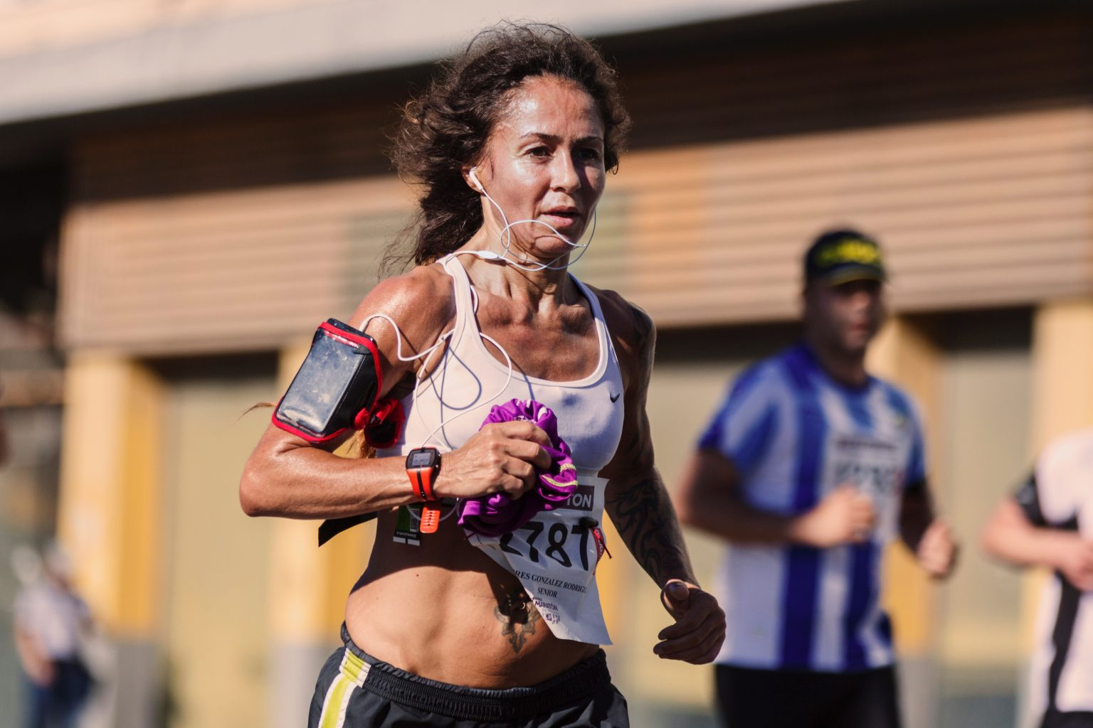woman marathon