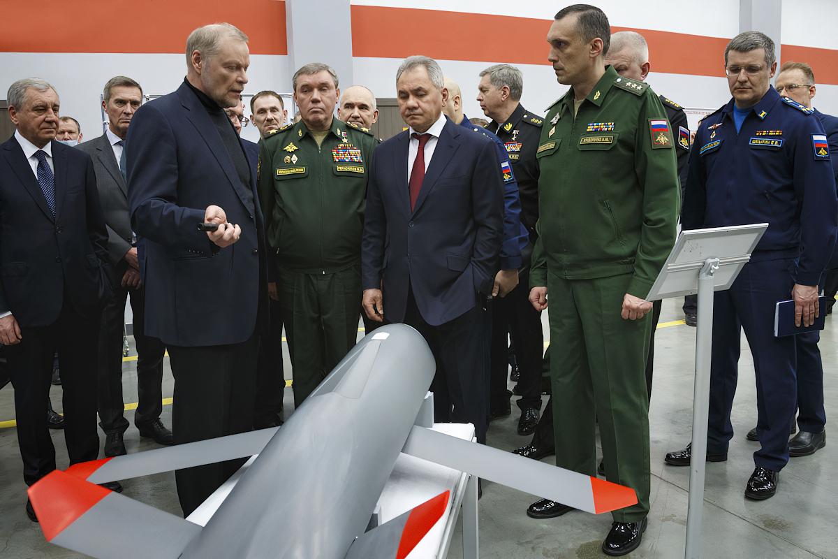 Un second drone ailier pour le Su-57 ?