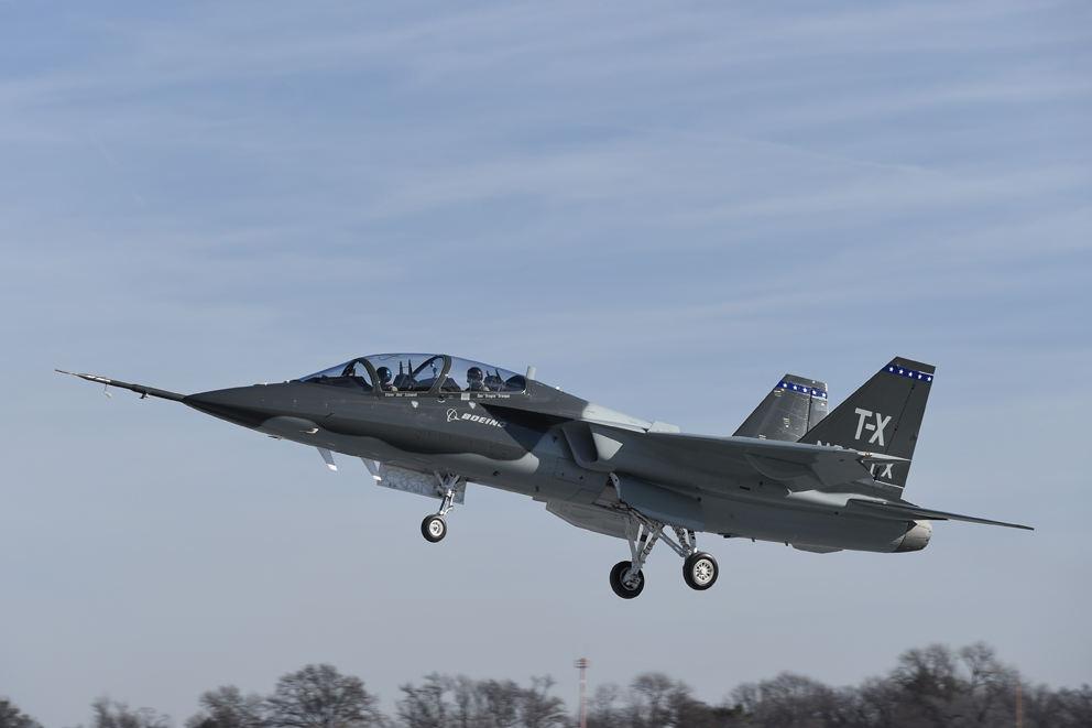 Premier vol du Boeing T-X