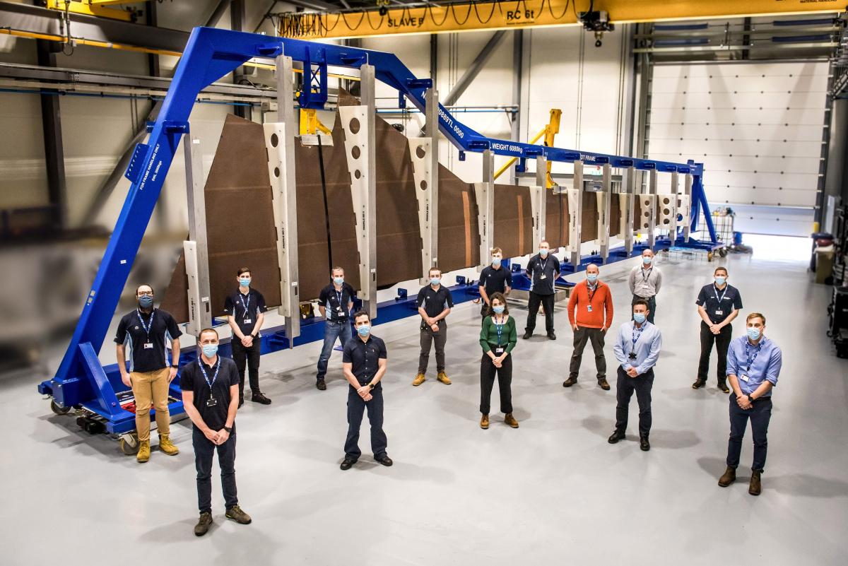 """Airbus commence l'assemblage du premier prototype de l'""""aile écologique"""" du futur."""