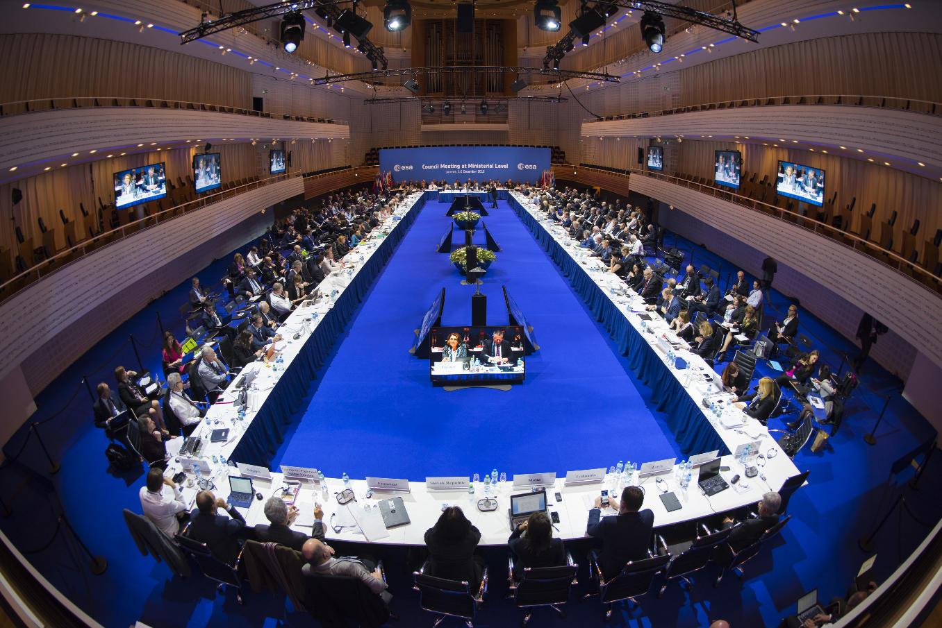 Europe spatiale: premier bilan du Conseil de Lucerne