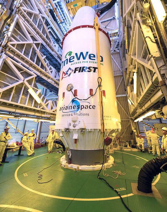 L'opérateur télécoms Eutelsat renforce son investissement dans la constellation OneWeb