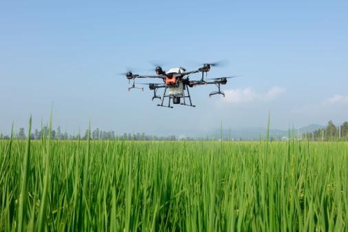 DJI: un drone capable de pulvériser 6 litres à la minute