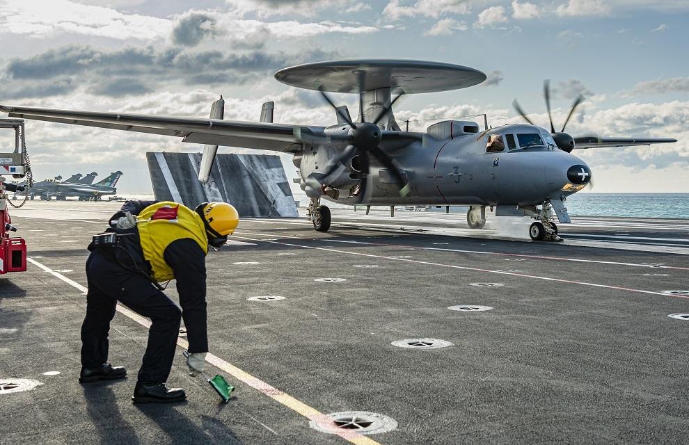 E-2D Hawkeye: venir moderniser les moyens de la Marine Nationale