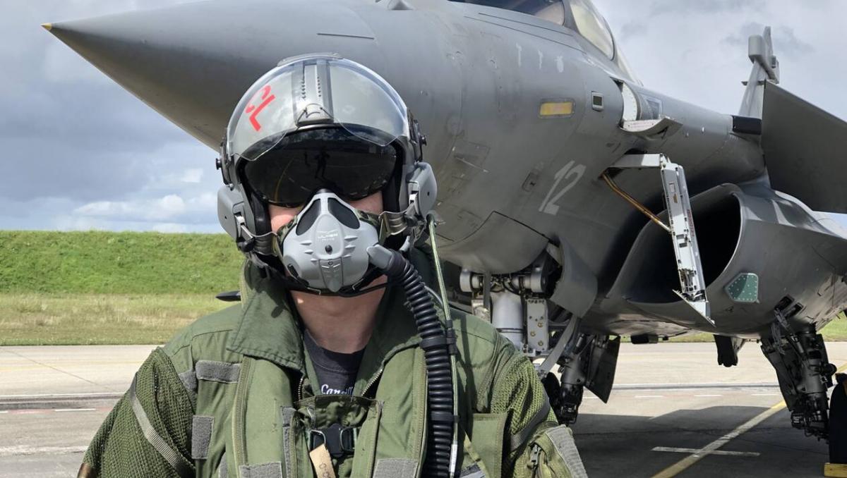 Comment devenir pilote de l'aéronautique navale ?