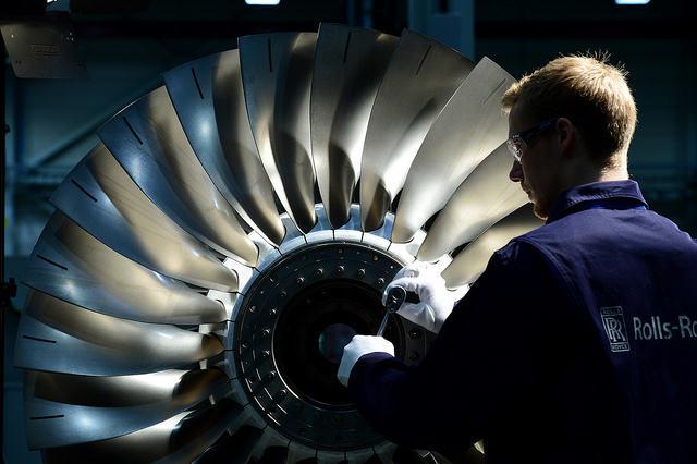 Rolls-Royce confie la production de ses harnais moteurs du Pearl 15 à Latécoère