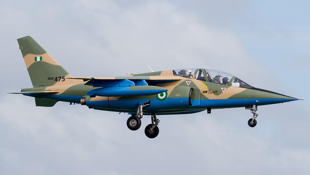 BSS: Un avion de combat abattu en vol