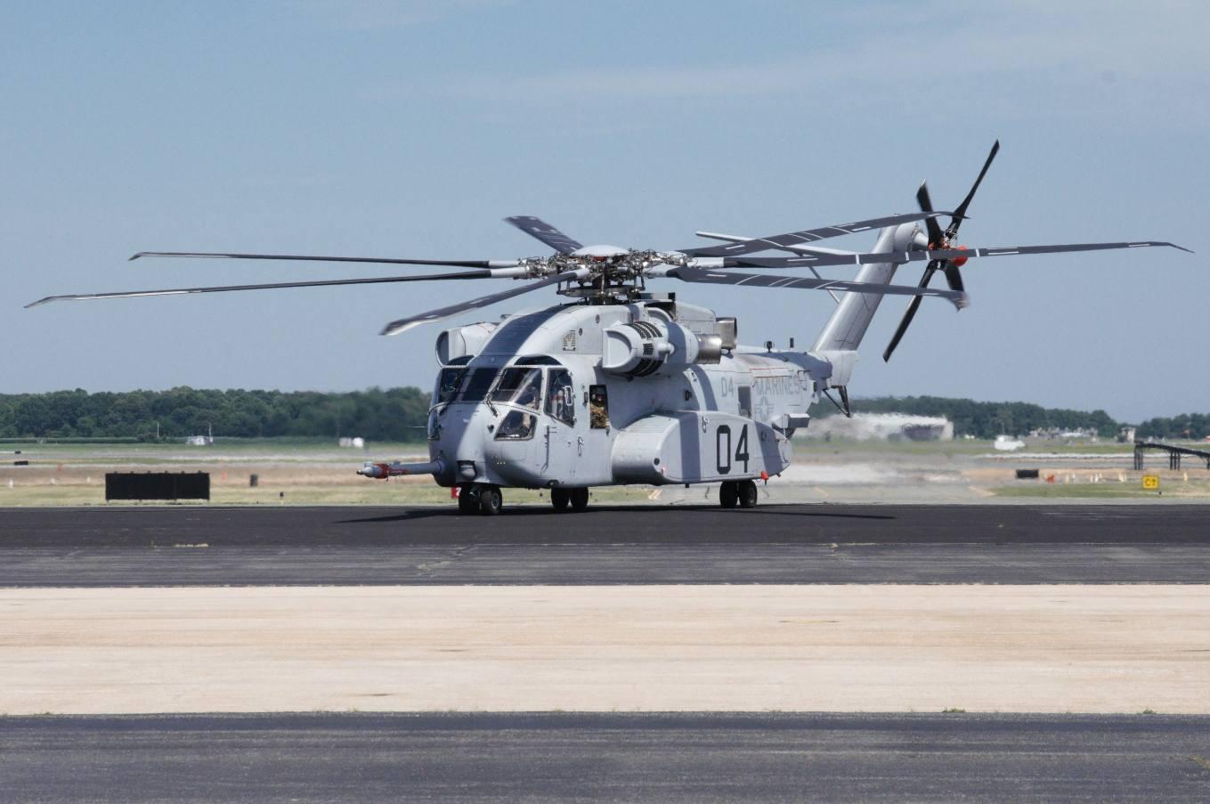 Le CH-53K réussi son premier vol en campagne