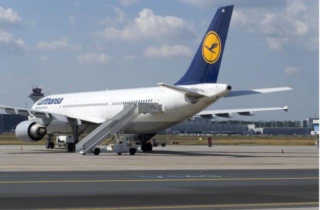 Lufthansa s'attend aussi à un deuxième semestre difficile