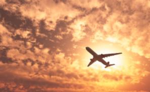 Coronavirus : le trafic aérien mondial a chuté de 60% en 2020