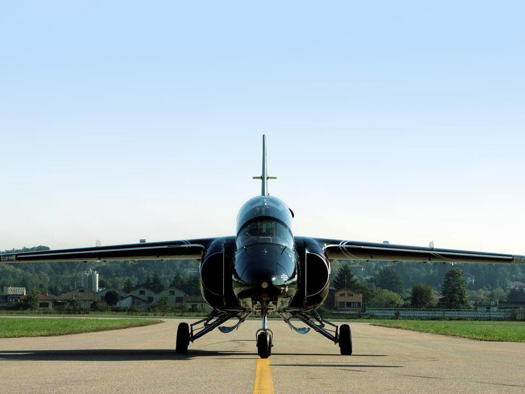 Premier vol de l'Aermacchi M-345HET