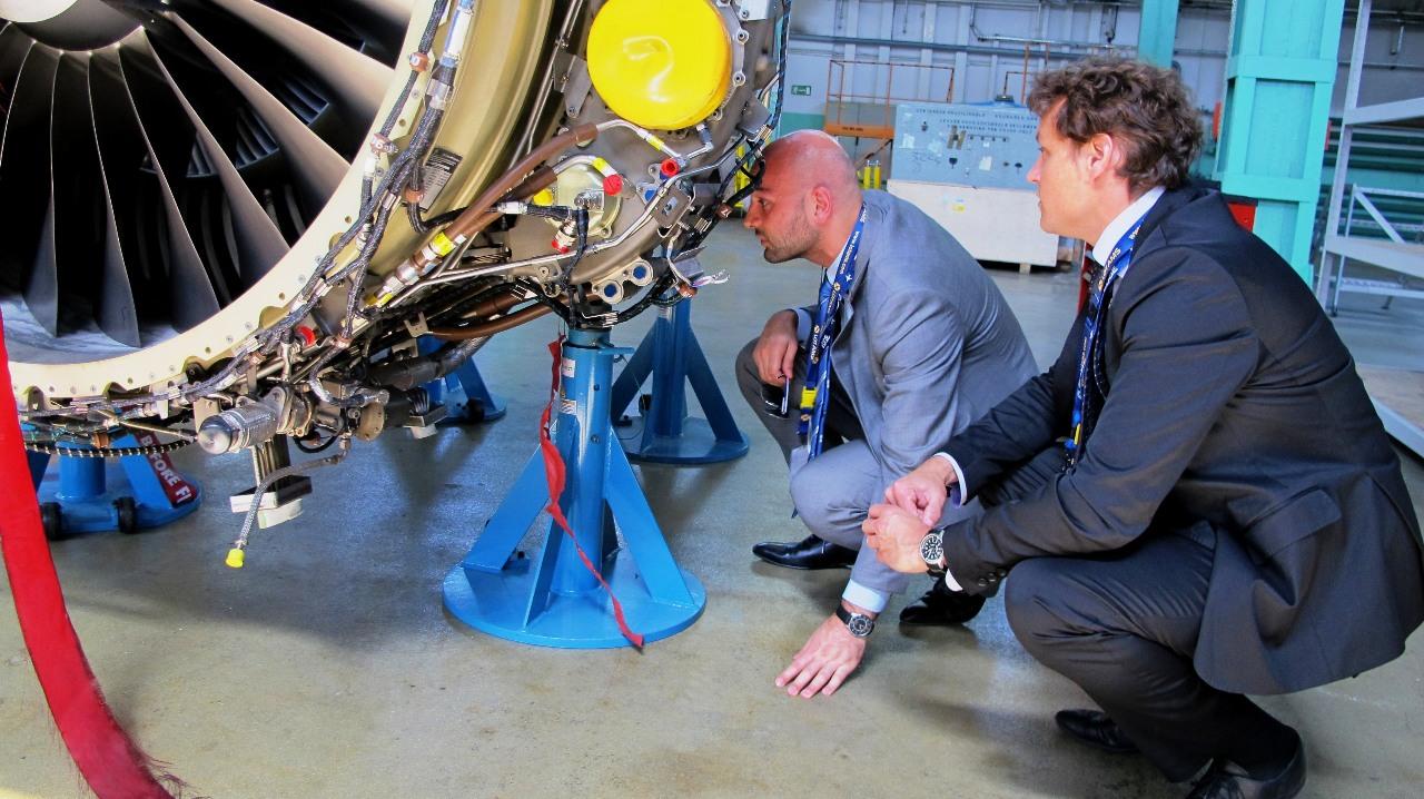 Des lubrifiants  de pointe pour les avions de nouvelles générations
