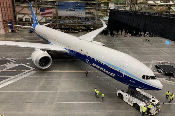 Boeing 777X : un premier vol reporté en raison de la météo