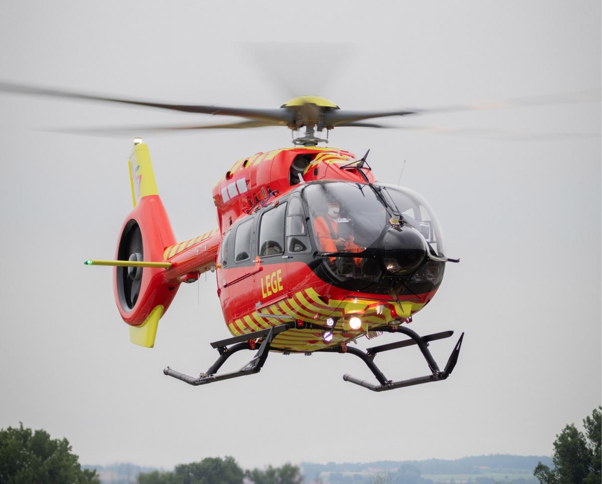 Le premier H145 cinq pales a été livré à la Norwegian Air Ambulance Foundation