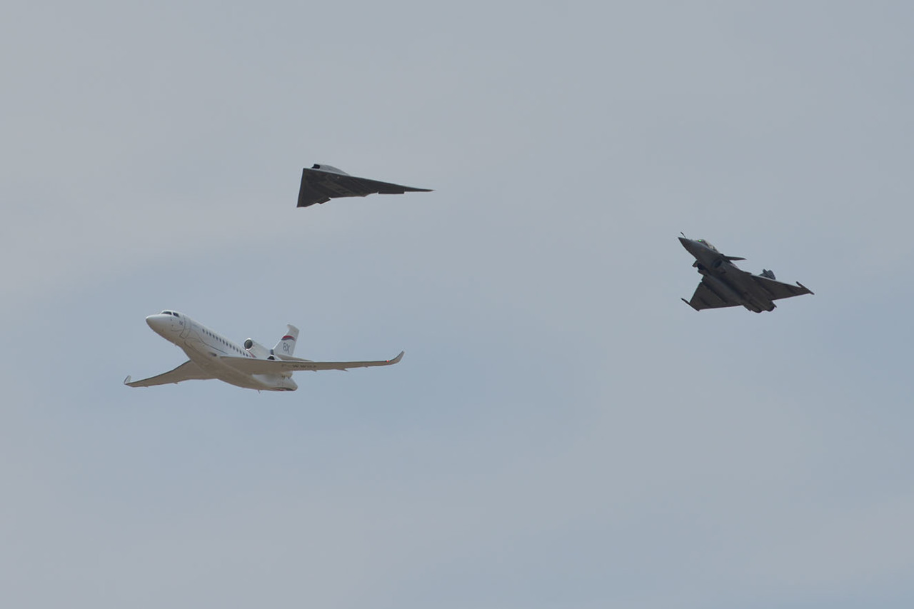Une première mondiale pour le Dassault Neuron à Istres
