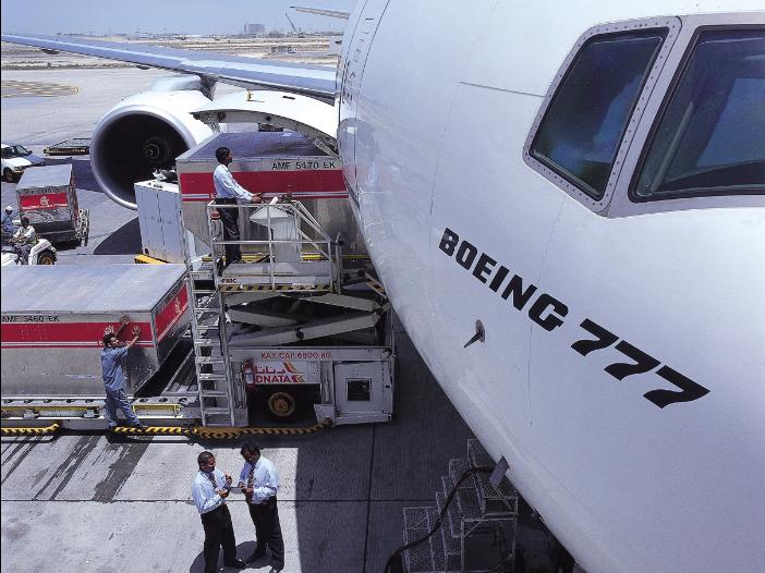Emirates réduit sa flotte d'avions cargos