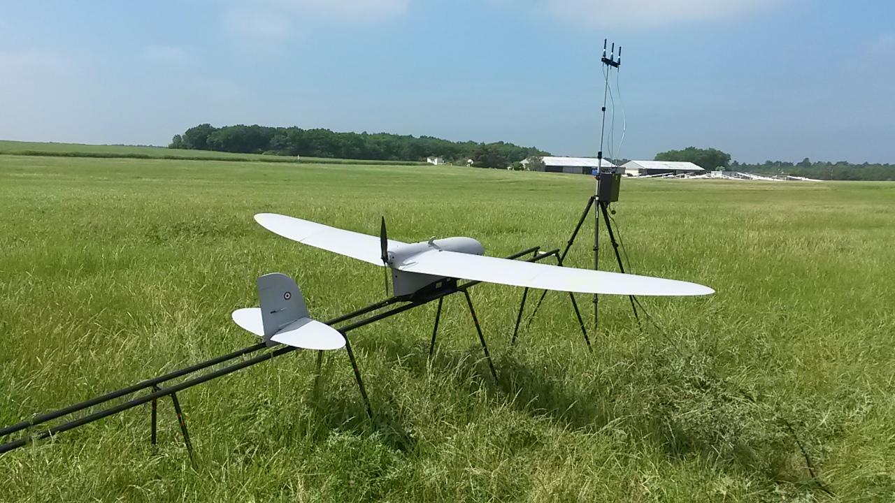 Eurosatory 2016 : Spy'Ranger, le mini drone de reconnaissance de Thales