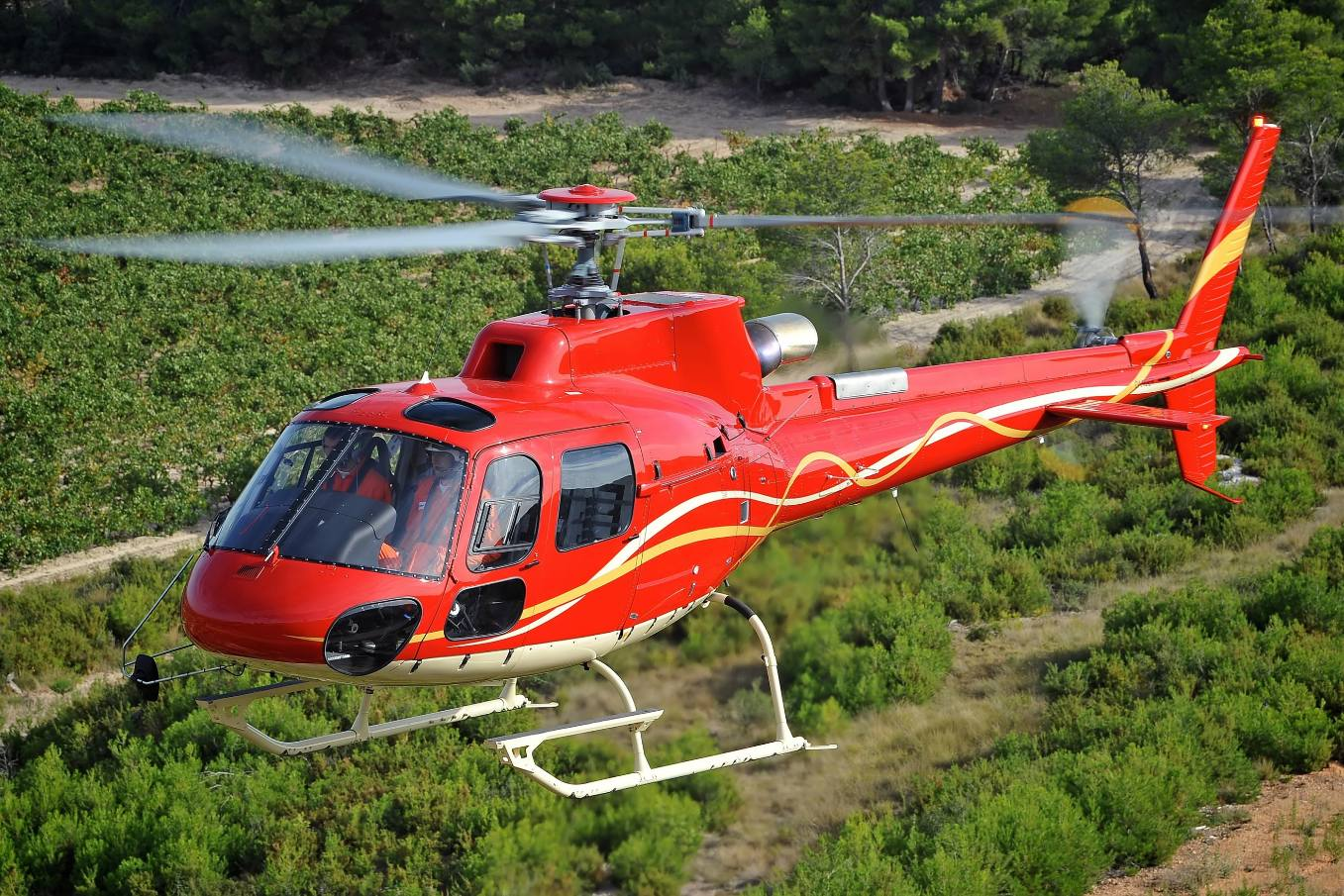 Airbus announces China, Japan helo orders