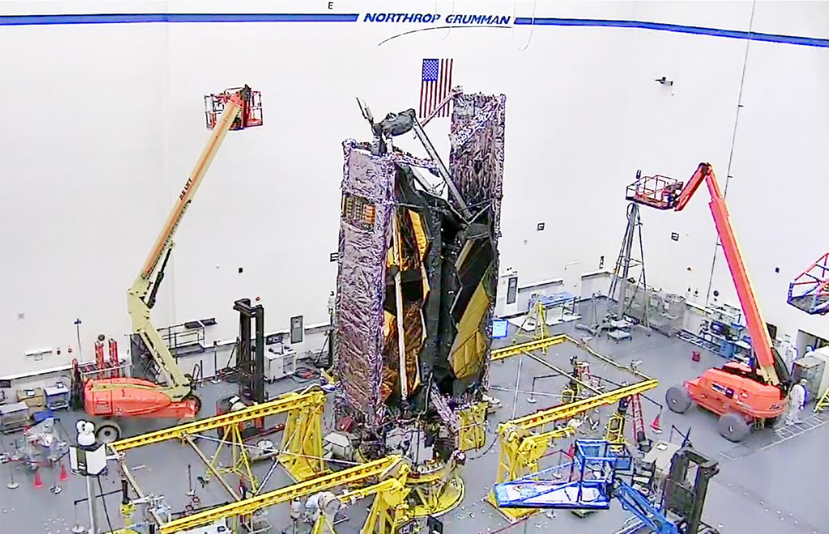 Le télescope James Webb en configuration de lancement