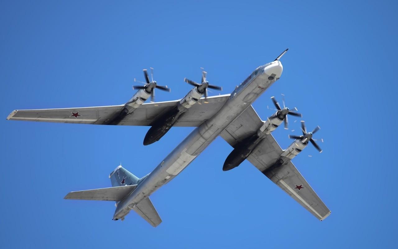 La Russie tire une salve de missiles