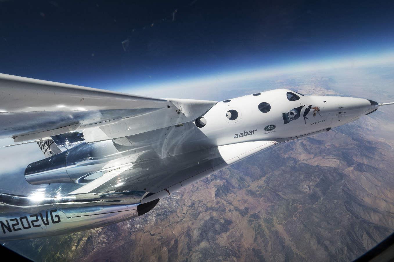 Premier vol captif du SpaceShipTwo