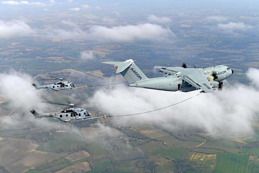 L' A400M apte au ravitaillement des hélicoptères en vol