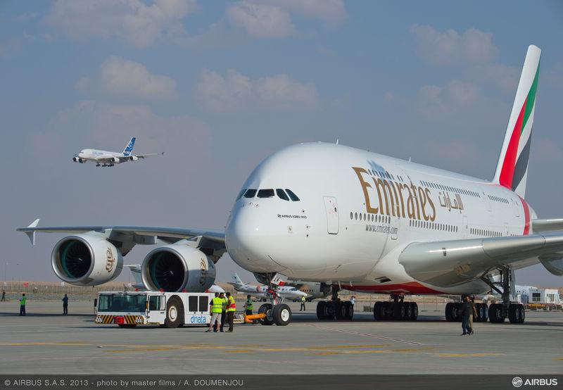 Emirates décale douze Airbus A380 d'un an
