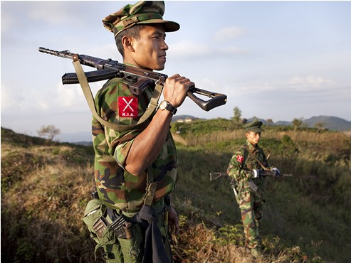 Un hélicoptère de l'armée Birmane abattu en vol