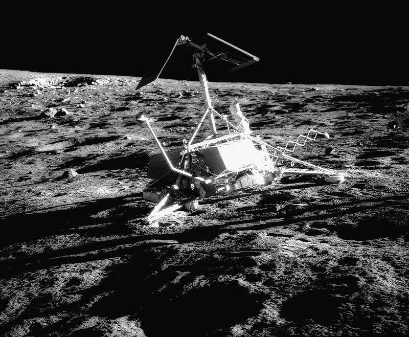 Il y a 50 ans, Surveyor 3 se posait et grattait… la Lune