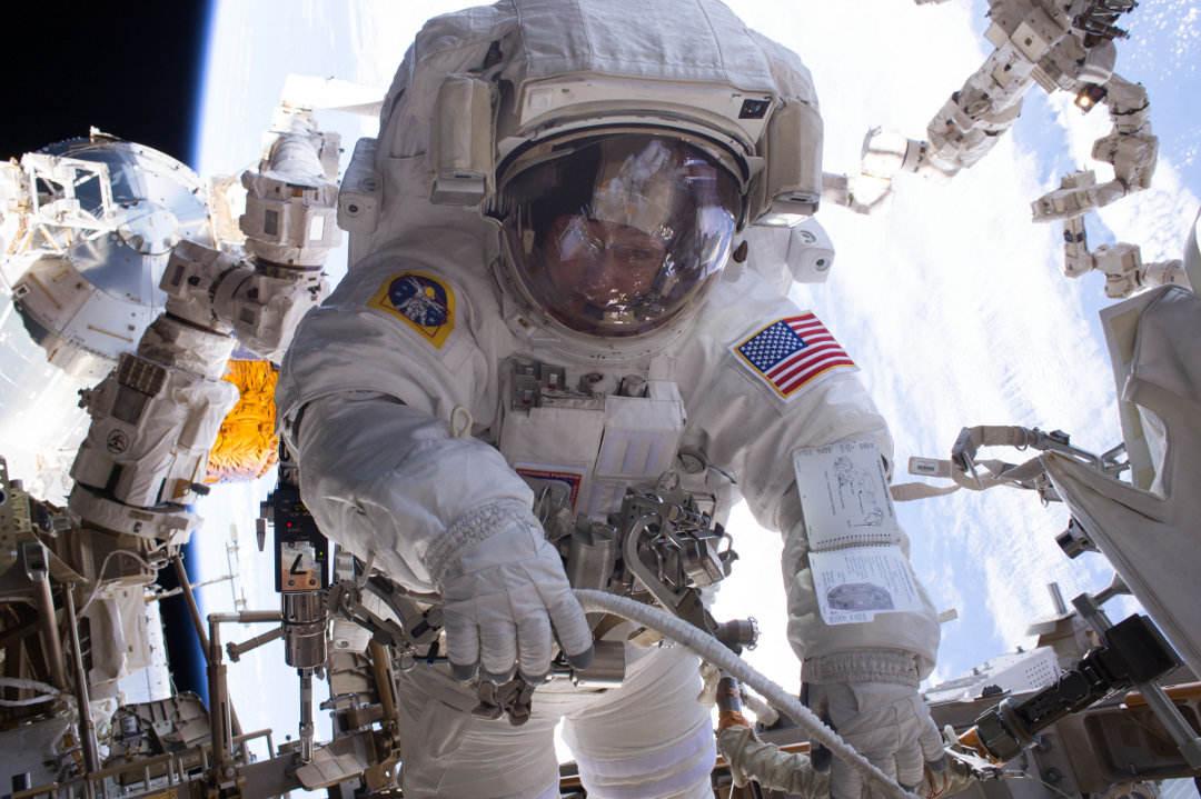 Sortie d'urgence hors de l'ISS