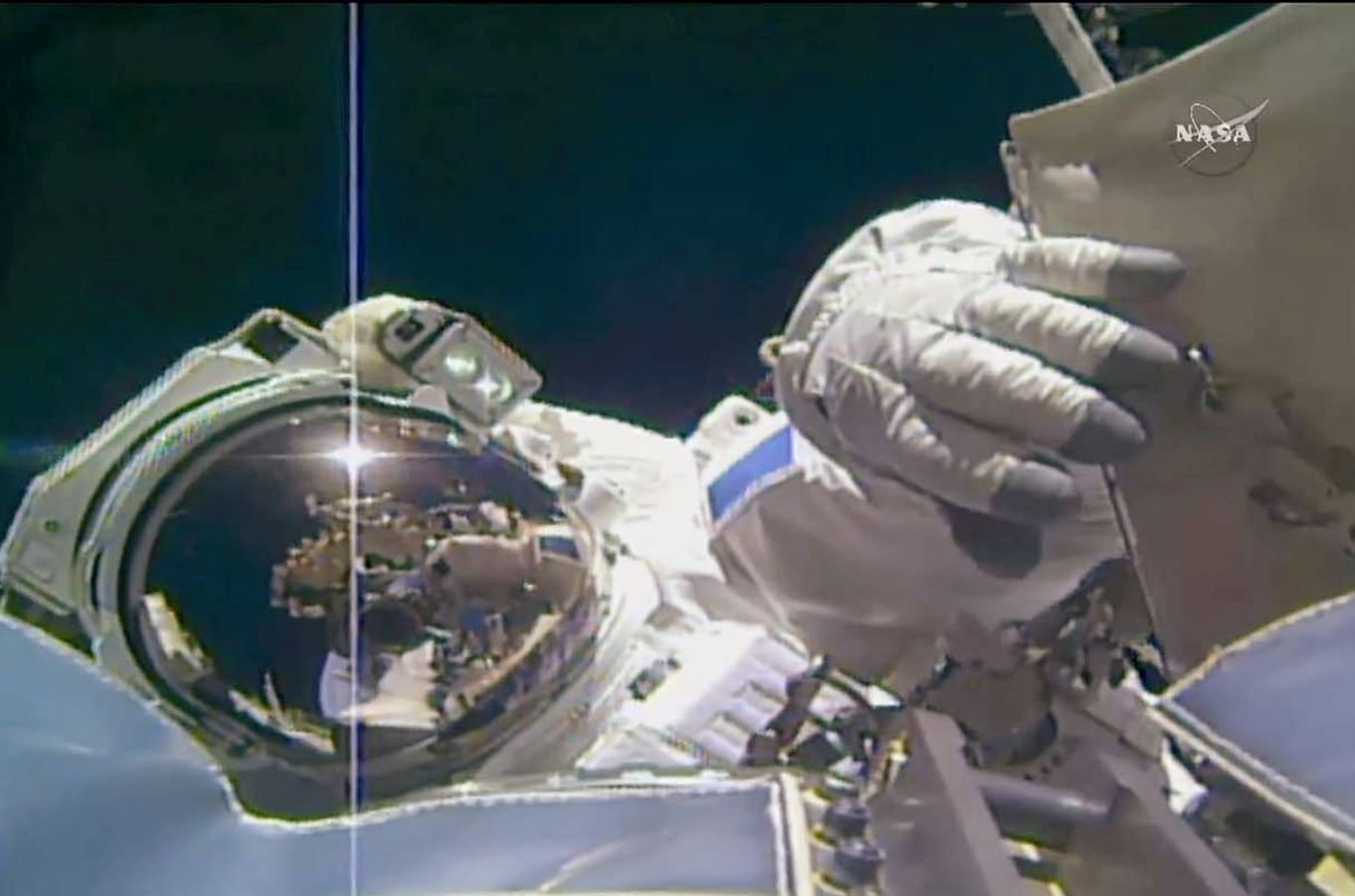 La deuxième sortie dans l'espace de Thomas Pesquet