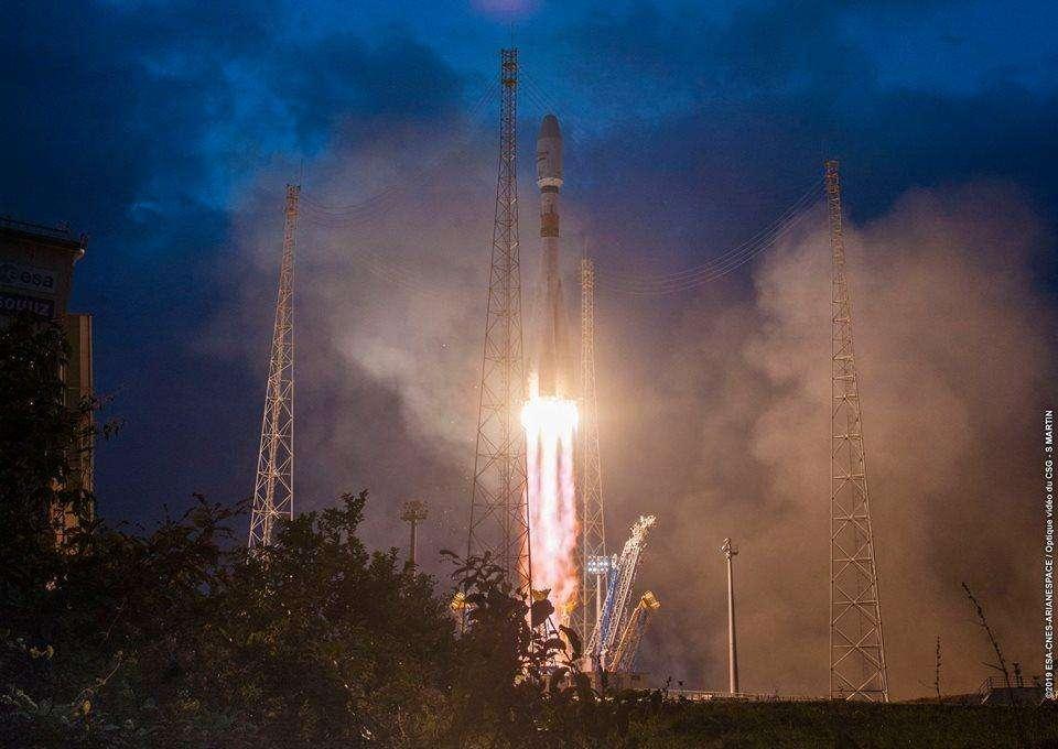 Les six premiers satellites OneWeb lancés de Guyane