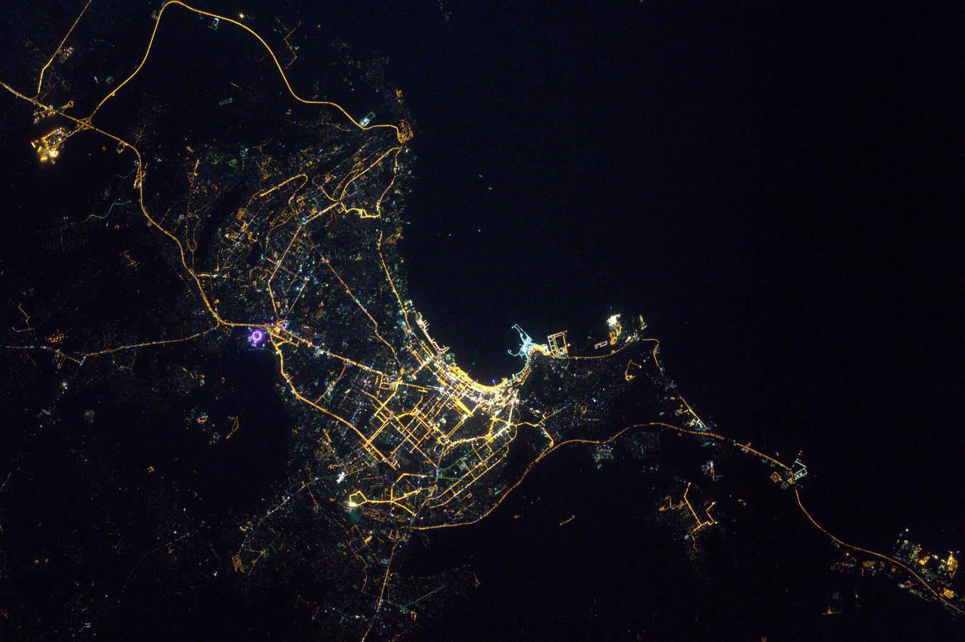 La Terre dans l'oeil de Thomas Pesquet #37 : Bakou ou la « cité des vents »