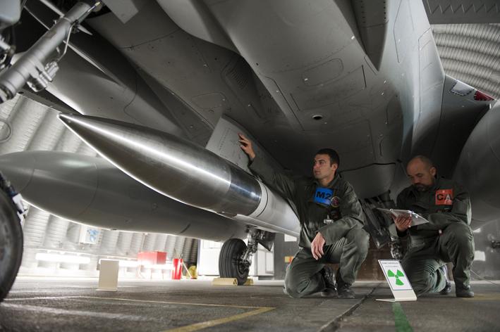 Dissuasion : l'armée de l'Air réfléchit à un missile nucléaire hypersonique