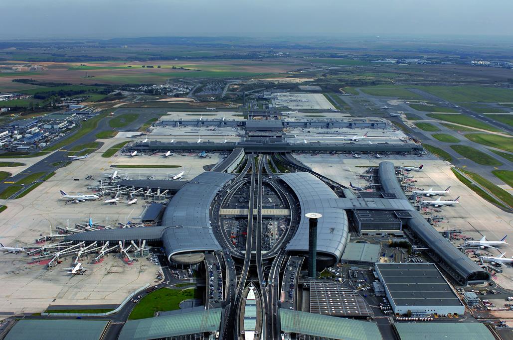 """Air France vent debout contre le projet de taxe """"CDG Express"""""""