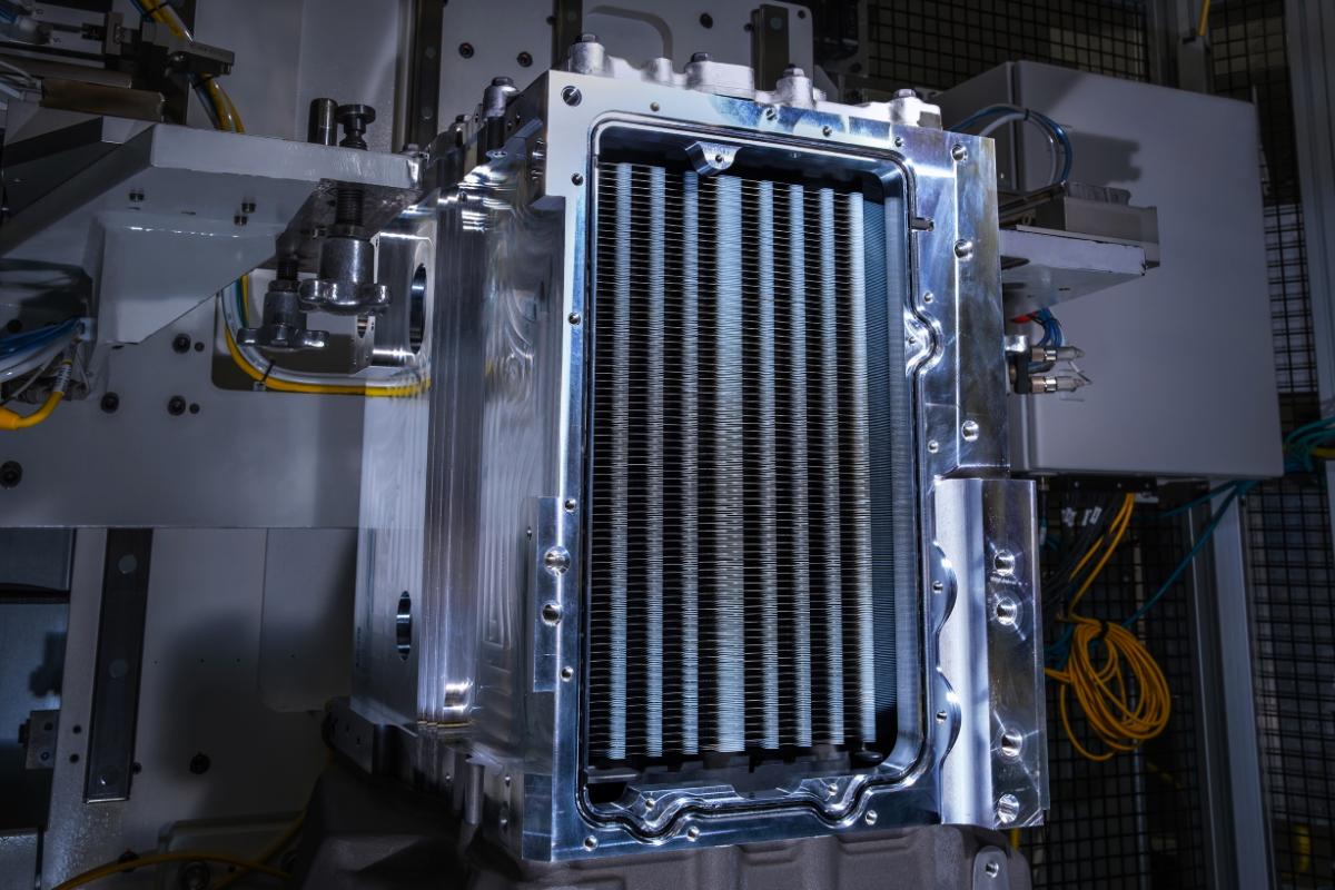 Liebherr et GM développent un système électrique par piles à combustible Hydrotec