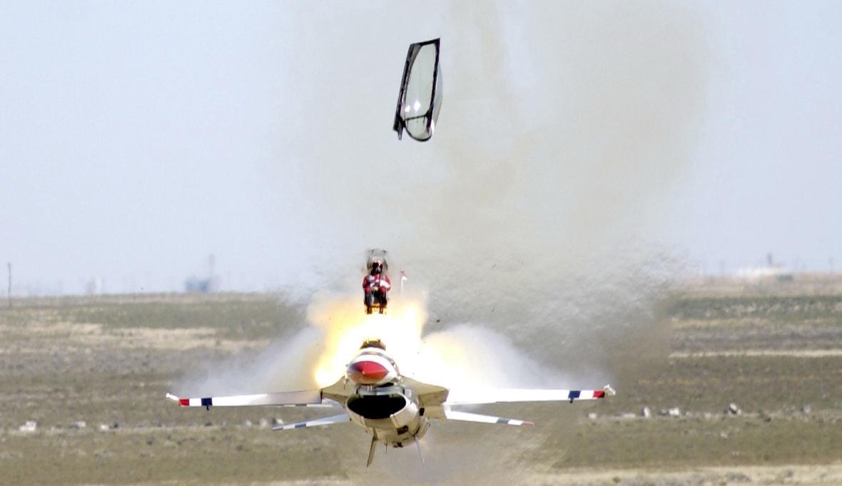 Vers un nouveau parachute pour le siège ACES II