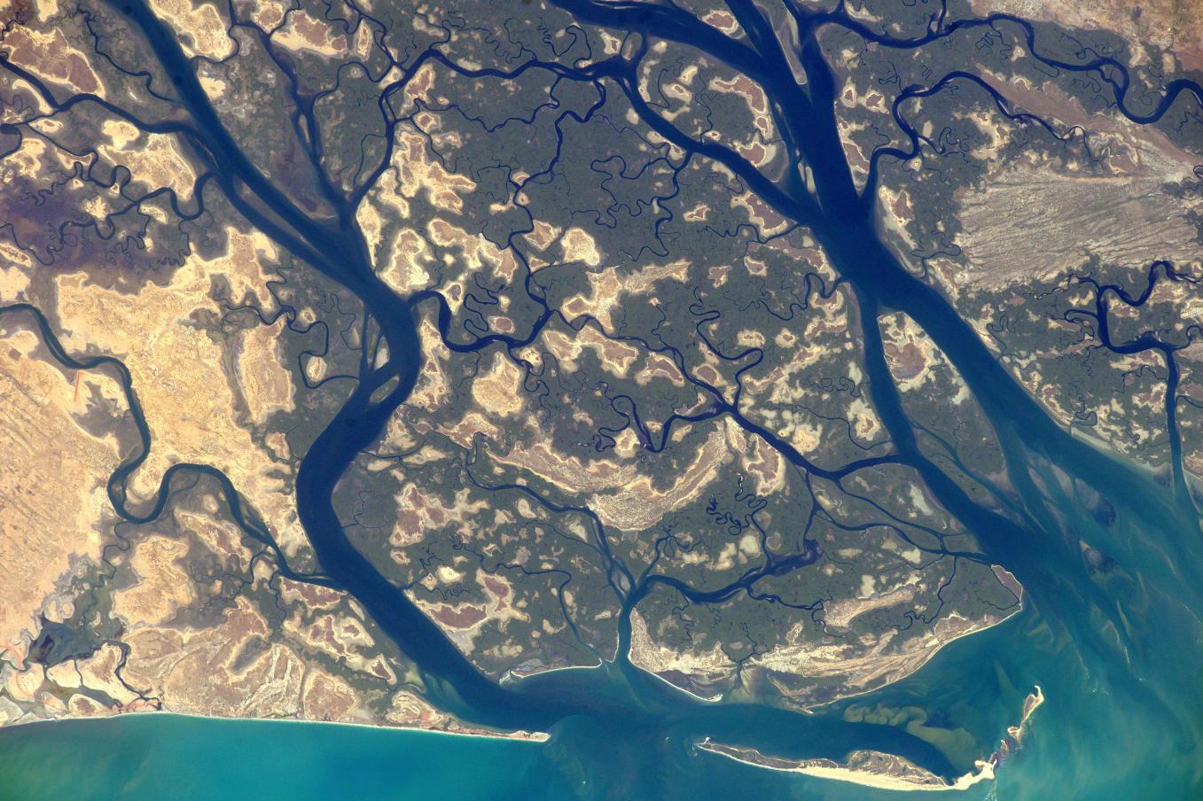 La Terre dans l'oeil de Thomas Pesquet #60 : à la pointe de Sangomar